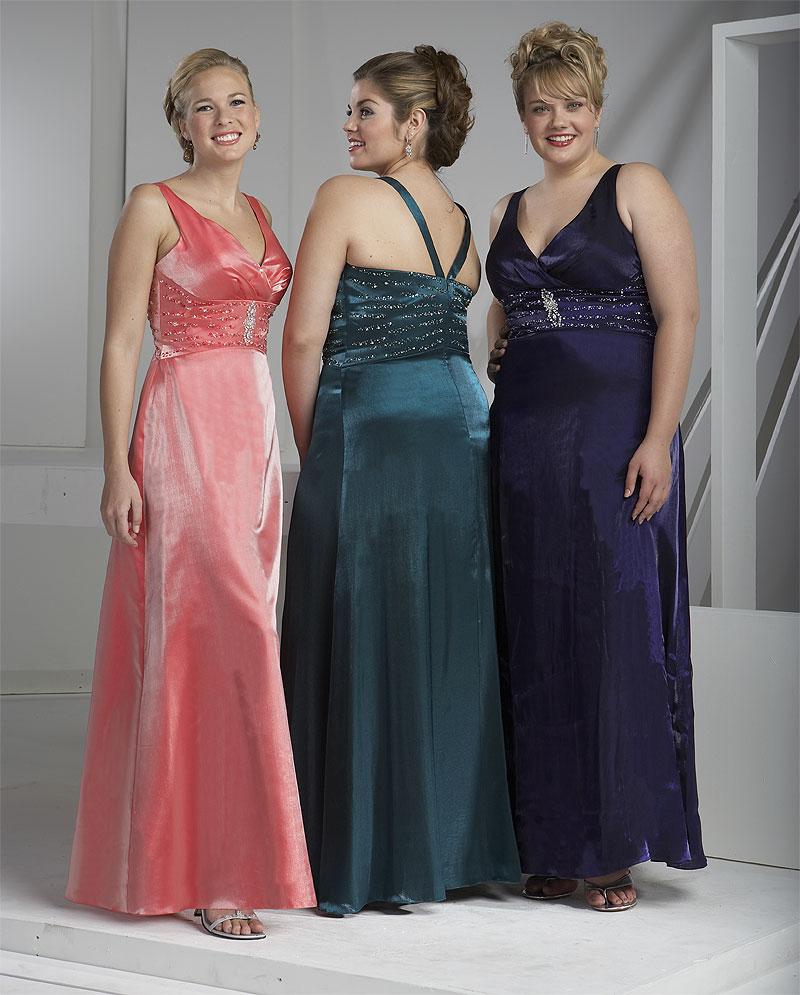 Небольшой секрет идеального силуэта вечернего платья для пышных дам.